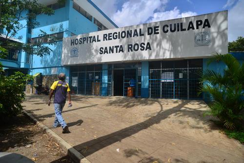 El hospital regional de Cuilapa permanecerá sin atender la consulta externa mientras no cuente con los insumos necesarios. (Foto: Wilder López/Soy502)
