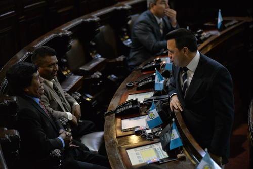 En las últimas sesiones parlamentarias, se observó a Rodas conversando con algunos integrantes del Partido Patriota. (Foto Wilder López/Soy502)