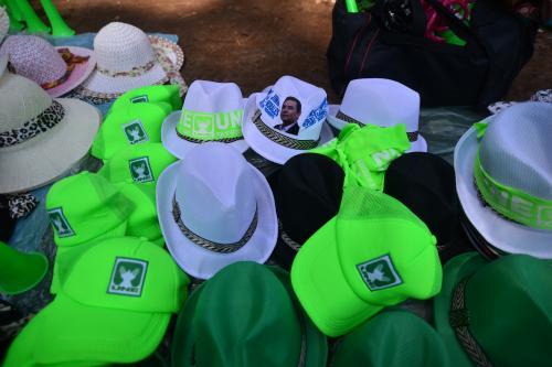 Entre los gorros de la UNE se perdió uno a favor de Jimmy Morales. (Foto: Wilder López/Soy502)