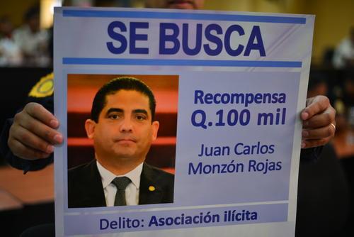 Juan Carlos Monzón se encuentra prófugo desde el 16 de abril, cuando se destapó el escándolo de La Línea. (Foto: Archivo/Soy502)