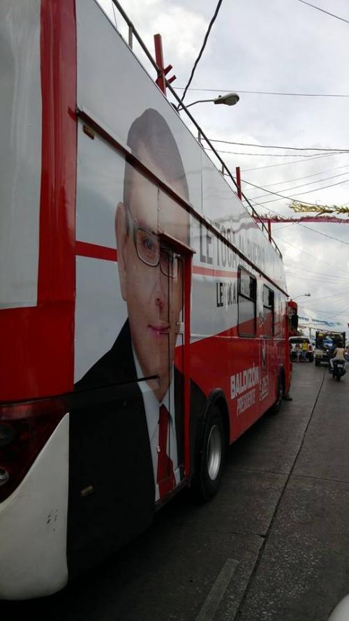 El bus de dos pisos de Lider hizo un recorrido por la zona 13 de la capital.