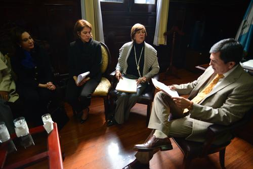 Zury Ríos inició los acercamientos con los diputados para que apoyen su propuesta. (Foto: Wilder López/Soy502)