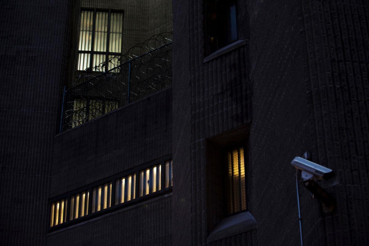 En este centro penitenciario han guardado prisión terroristas de Al Qaeda y hasta un traficante de armas. (Foto nytimes.com)