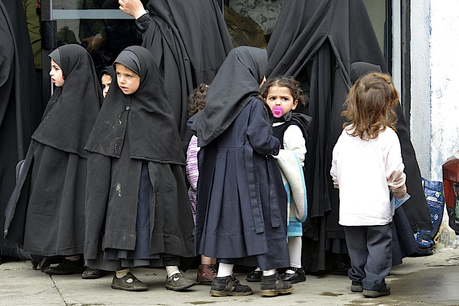escuintla jewish personals Saudi women wait for their drivers outside a hotel in the saudi capital ri.