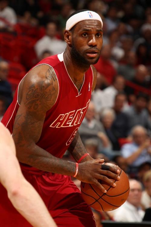 LeBron James anotó 30 puntos que sirvieron para la victoria de los Heat de Miami ante los Jazz de Utah