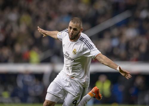 Benzema puso el 1-0 al minuto 67 tras tomar en el área un centro de Jesé Rodríguez