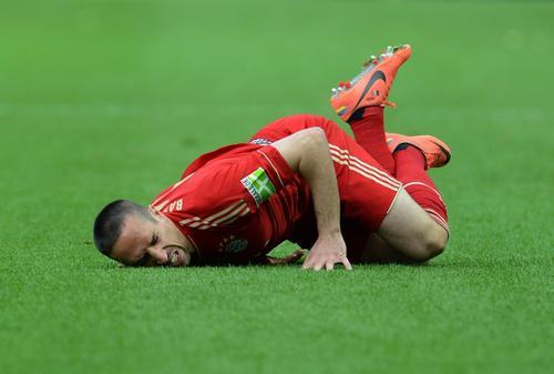 El francés Franck Ribéry podrá ver acción hasta marzo debido a un hematoma