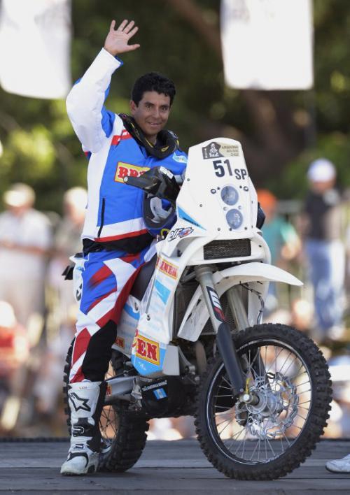 Francisco Arredondo sobre su KTM antes de iniciar la primera etapa del Rally Dakar