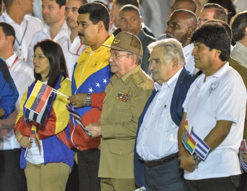 """Maduro, Castro, Mujica y Morales durante la """"Marcha de las Antorchas"""""""