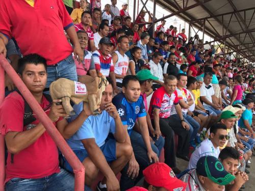 La afición abarrotó el estadio Santa Lucía de Malacatán. (Foto: Soy502)
