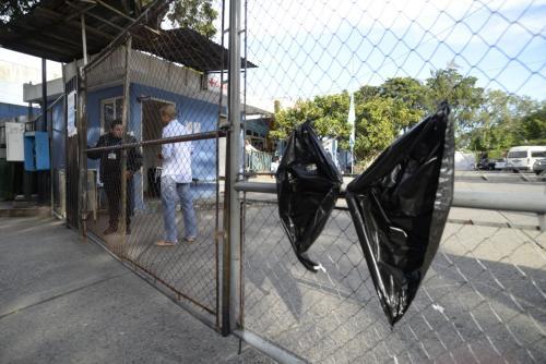 Solo familiares de internados y personas que corroboren que tienen cita pueden ingresar. (Foto: Wilder López/Soy502)