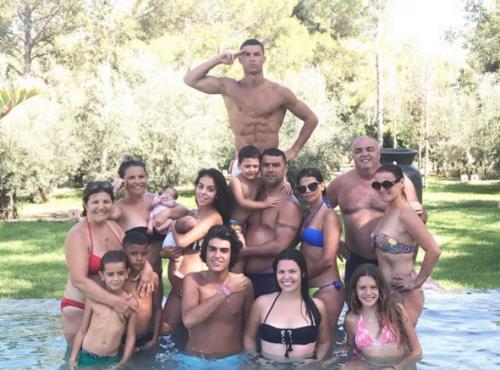 Familia de Cristiano Ronaldo. (Foto: Instagram)