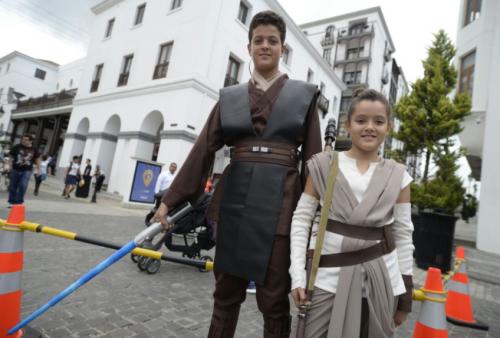 Muchos fanáticos de Star Wars han heredado el gusto por la saga a sus hijos, por lo que se pudo apreciar la participación de muchas familias. (Foto: Wilder López/Soy502)