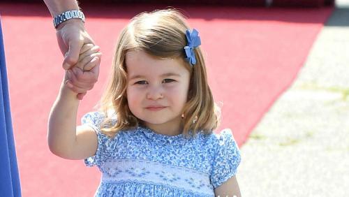 Carlota con su madre. (Foto: Telemundo)