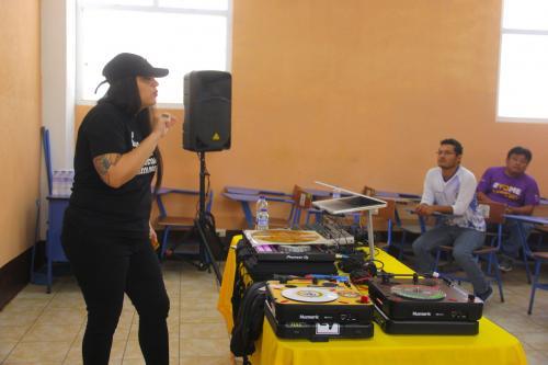 Los chicos tienen una visión distinta y aprenden sobre oportunidades que pueden tener a través de la música. (Foto: Fredy Hernández/Soy502)