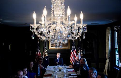 Trump tiene empleados indocumentados en el club de golf