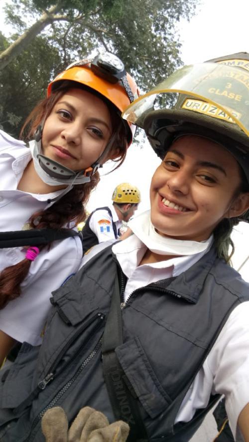 La bombera forma parte de la 25.ª Compañía en Villa Nueva. (Foto: captura de pantalla)