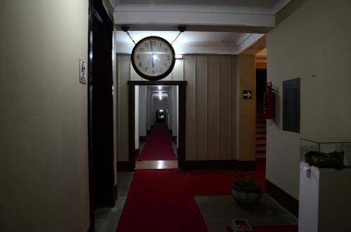 La oficinas administrativas se encontraban en el sótano, también a pasillos que dirigen a la casa Presidencial. (Foto: Selene Mejía/Soy502)