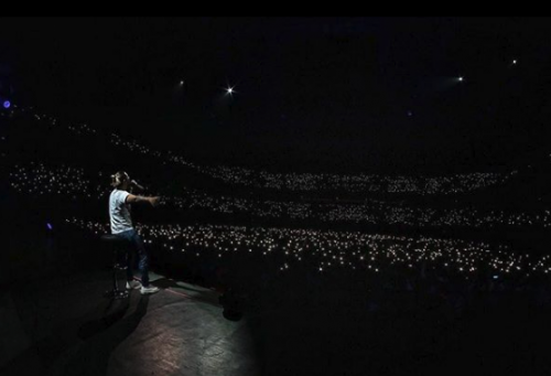 Imagen de su concierto en Uruguay. (Foto: Instagram)