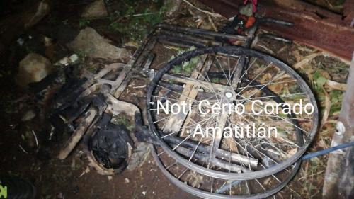 Esta es la silla de ruedas que localizaron los paramédicos. (Foto: captura Facebook)
