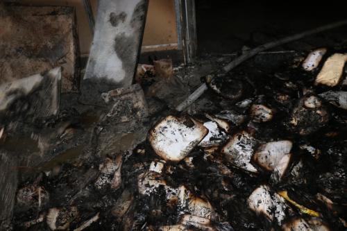 Documentos relacionados al crédito fiscal se quemaron en la SAT. (Foto: Bomberos Municipales)