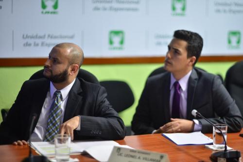 Leonel Villamar, intendente de Recaudación, explicó que tienen respaldo digital de algunos documentos, no de todos. (Foto: Jesús Alfonso/Soy502)