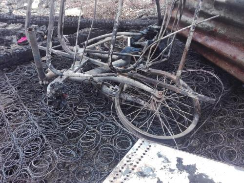 Así quedó parte de las pertenencias de los residentes de esa vivienda. (Foto: CBMD)