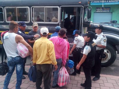 El retorno para muchos es más difícil que partir de su país. Retornan a la realidad. (Foto: PNC)