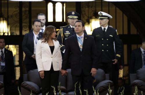 El presidente Jimmy Morales participó junto a su esposa en los actos conmemorativos. (Foto: Alejandro Balán/Soy502)