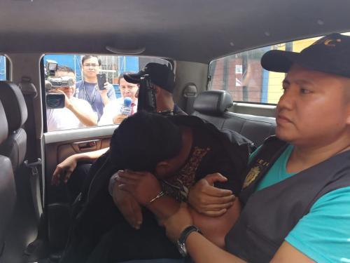 Este es el momento en que Óseas Jeremías Xitumul era trasladado a Tribunales. (Foto: PNC)
