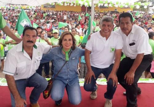 Sandra Torres vistió San Carlos Retalhuleu. En este lugar habló sobre sus propuestas de campaña. (Foto: UNE)