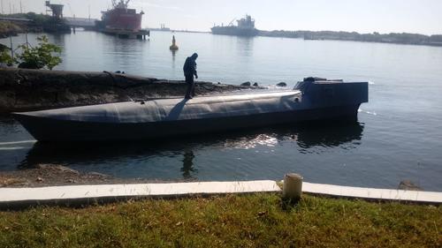 """Este es el """"narco sumergible"""" interceptado en el Pacífico. (Foto: MP)"""