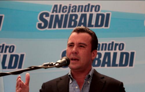 Alejandro Sinibaldi está prófugo. Se le señala en casos como Construcción y Corrupción, Odebrecht, Cooptación del Estado y Transurbano.