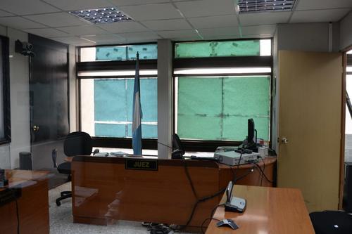 Así ha lucido durante años la sala de audiencias del Juzgado Undécimo de Primera Instancia Penal. (Foto: Wilder López/Soy502)