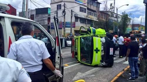 El paso en el lugar es complicado por el accidente. (Foto: captura pantalla)