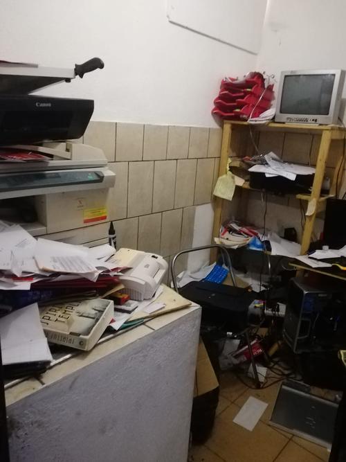 Esto encontraron las autoridades dentro del inmueble donde funciona la Agencia de Seguros FsH. (Foto: MP)