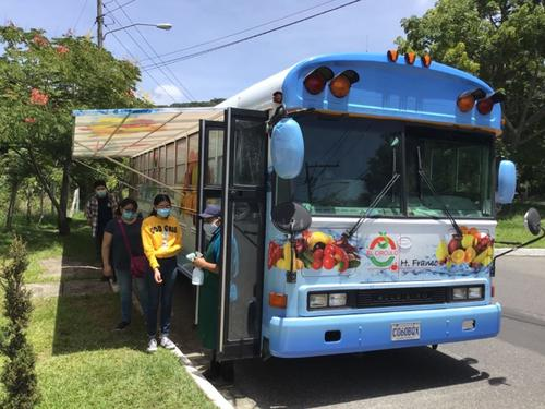 El bus es muy amplio y lleva producto fresco a la comodidad de tu hogar. (Foto: El Círculo Express)