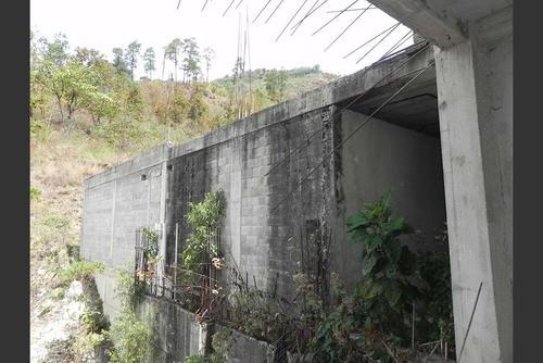 El Hospital de San Pedro Necta en Huehuetenango quedó abandonado desde hace 11 años por un desvío millonario de los recursos. (Foto: Archivo/Soy502)