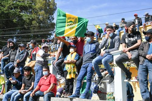 La gente llegó desde temprano para apoyar al cuadro sololateco. (Foto: Sergio Muñoz/Nuestro Diario)