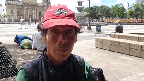 Puedes encontrar a Mario Melgar en la Plaza de la Constitución si deseas apoyarlo. (Foto: Captura de pantalla)