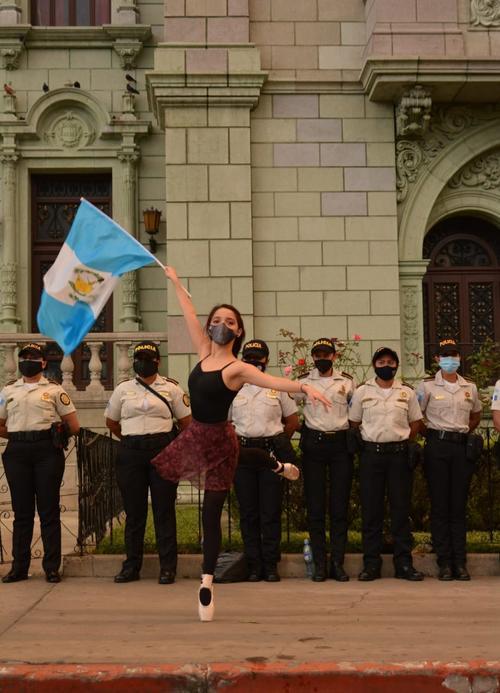 La joven tiene 11 años de experiencia en Danza Clásica. (Foto: Joshua Paolo Sarti y Allan Velásquez de la Fototeca)