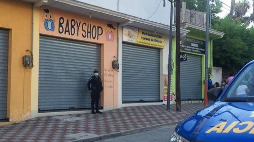 El local de Laura donde quedó su cuerpo. (Foto: Facebook Impacto Informativo)