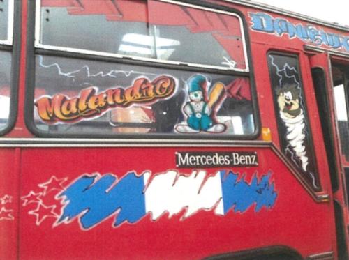 No hay ningún tipo de señalización en los buses rojos. (Foto: Municipalidad de Guatemala)