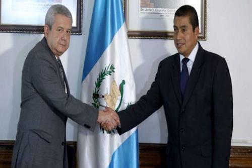 Edgar Anibal Gómez en una foto de archivo del día de su juramentación como viceministro de Comunicaciones. (Foto: archivo)