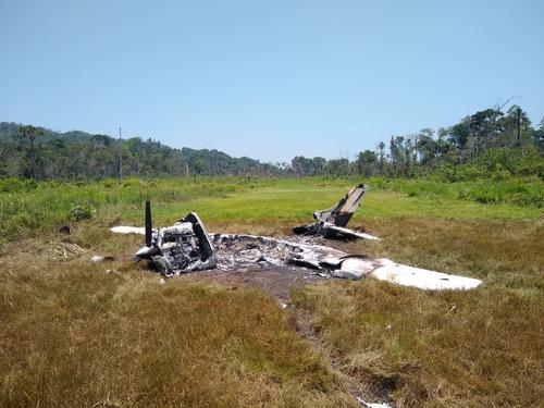 La avioneta fue incinerada. (Foto: MP)