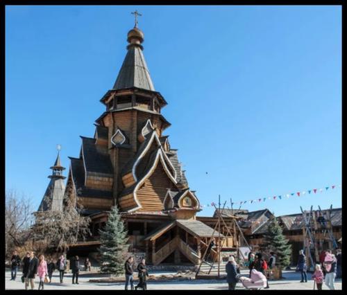 Vista de una de las atracciones del mercado Izmailovo. (Foto: viajedetuvida)