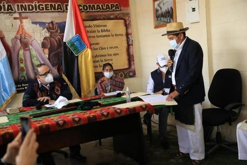 """El presidente Alejandro Giammattei fue declarado """"non grato"""" en el Altiplano, luego que descalificara los reclamos de una autoridad indígena en Comalapa, Chimaltenango. (Foto: Archivo/Soy502)"""