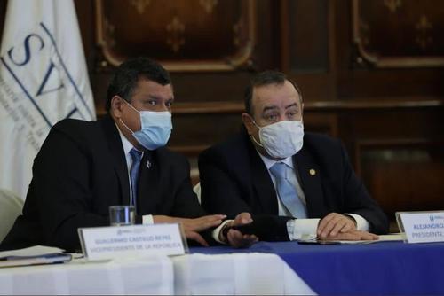 La división entre el presidente Alejandro Giammattei con el vicepresidente Guillermo Castillo, ha sido un factor que afecta su imagen como alguien conciliador y de diálogo. (Foto: Archivo/Soy502)