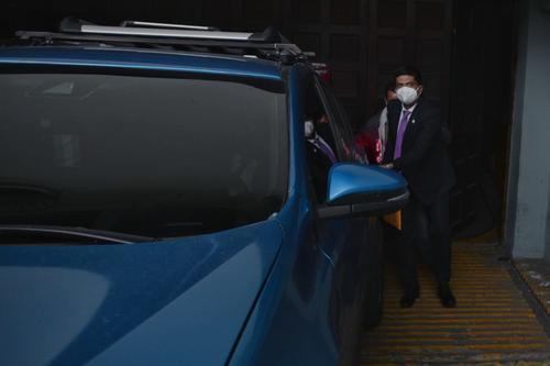El viernes 19, Moto utilizó otro vehículo, pero esta vez vinculado a un exasesor del Congreso. (Foto: Wilder López/Soy502)