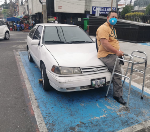 La PMT retiró el cepo luego de conversar con el conductor.